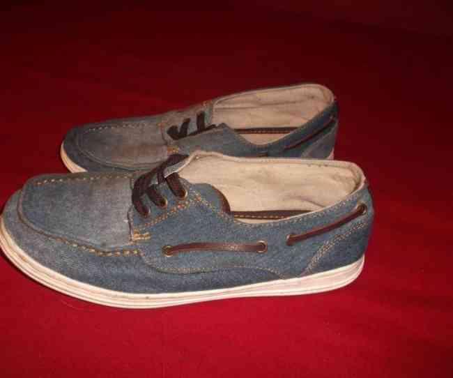 Vendo Sapatos vela de ganga Zara para menino