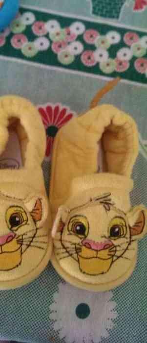Pantufas Disney store,Bom estado!