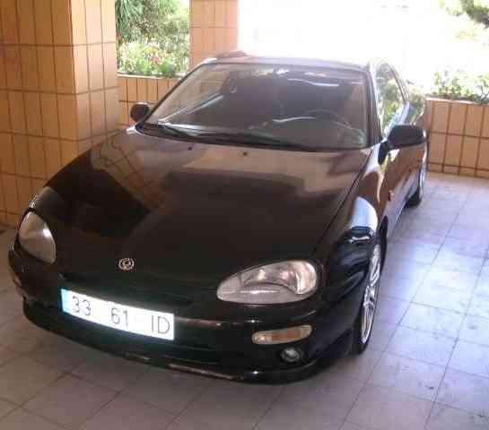 Vendo Mazda mx3 1,6 dohc-16v 1997