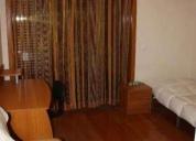 Alugo quarto em apartamento moderno