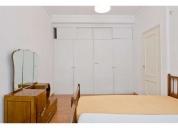 Excelente quarto com duas camas em apartamento