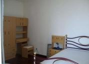 Excelente quarto a rapaz estudante