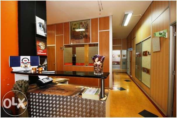 aluga-se gabinetes mobilados com tudo incluído