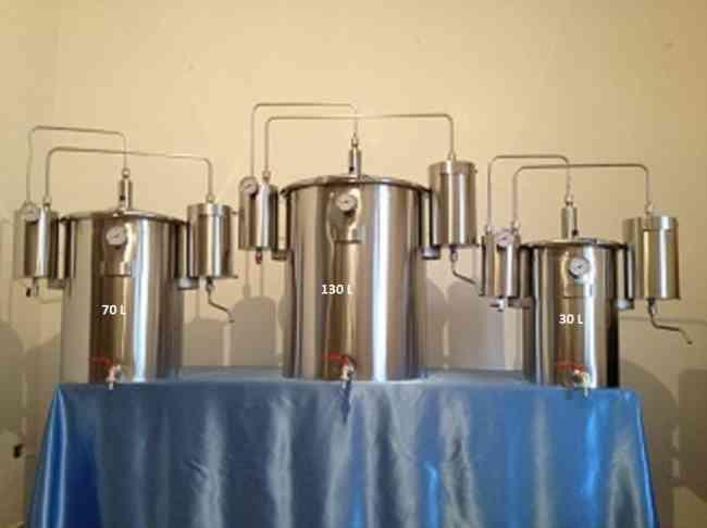 Alambiques de aço inoxidável AISI 304 de acordo com as normas vigentes (CEE)