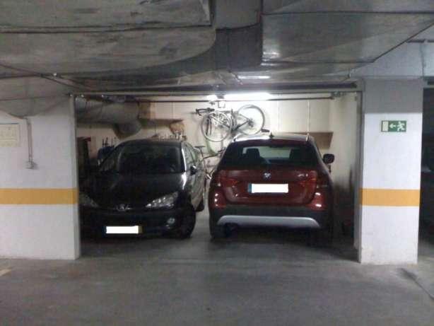 Excelente garagem