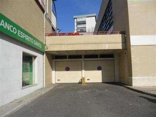 Oportunidade! garagem/estacionamento para venda oeiras