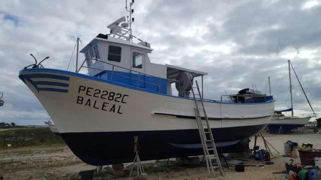 embarcação de pesca profissional-baleal.Aproveite!