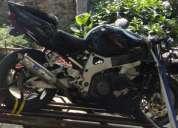 Honda cbr 900rr 97 a 99 peças mota salvada. contactarse.