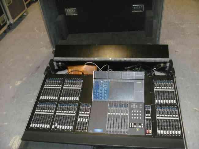 Yamaha M7CL-48 mesa de mistura digital