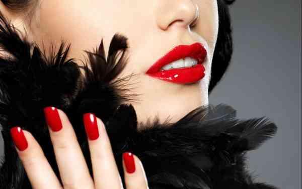 Procura-se colaboradoras para modelos de luxo