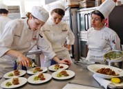 Trabalhadores de hotel / restaurante precisamos urgentemente inscreva-se agora