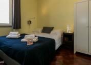 Quarto com cama de casal em apartamento com terraco en lisboa