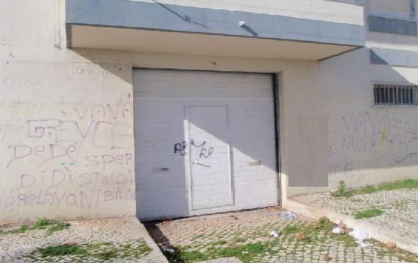 Oferta da escritura Imovel de banco Garagem no Laranjeiro en Almada
