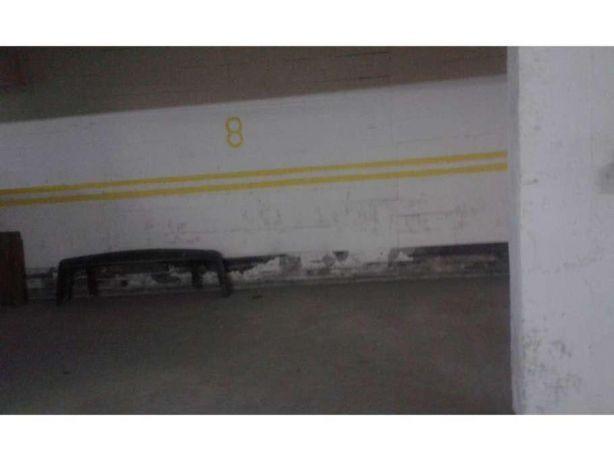 Arrenda se Lugar de Parqueamento P Um Carro no Cacem en Sintra