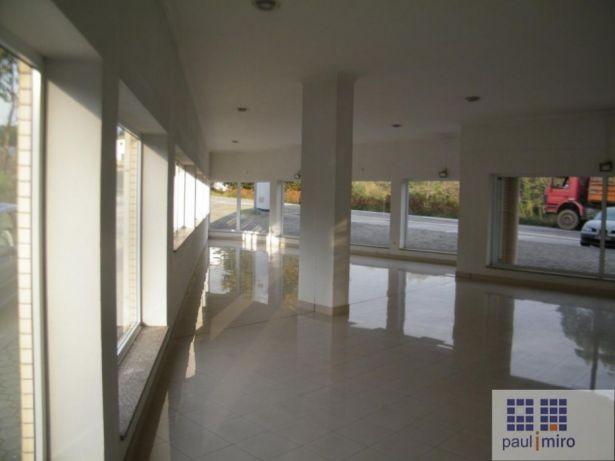Loja com 300 m2 en Santa Maria da Feira