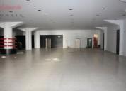 Loja garagem junto ao saldanha com saida de fumos 900 m2