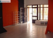 Loja 2 pisos 450 m2 wc s e divisoes centro parede montras en cascais