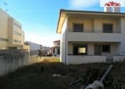 moradia nova geminada com excelentes areas 245 m² m2
