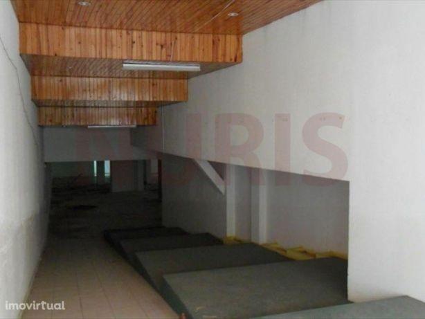 Imovel do Banco Armazem para Venda Portimao Algarve 550 m2