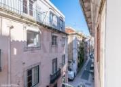 Predio de traca portuguesa no coracao do bairro alto 122,76 m2