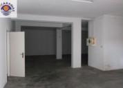 Armazem com escritorio arrumos e 2 casas de banho 340 m2