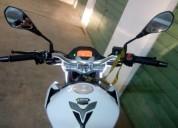 Vendo mota 125 porque quero adquirir uma com cilindrada superior gasolina cor branco
