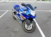 Suzuki gsxr 600 gasolina cor azul