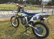 Yamaha troca mota de estrada gasolina cor branco