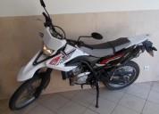 Yamaha com apenas 3 952 kms gasolina cor branco