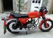 Motorizada gasolina cor vermelho