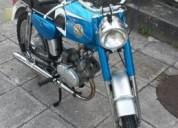 Casal capri gasolina cor azul