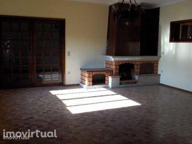 Quinta T5 usada para arrendamento Amarante Real Ataide e Oliveira