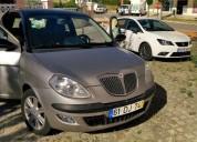 Lancia ypsilon oro de 2007 selo antigo gasolina car