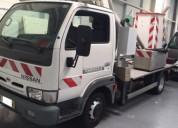 Carrinha com grua barquinha 10m nissan cabstar 120 diesel cor branco caixa manual