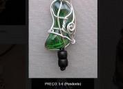 Pendentes com pedra de vidro e arame, bijutaria (e