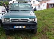 Toyota hilux 2 portas 3 pessoas a frente    3500€