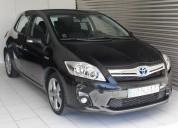 Toyota auris 1.8hsd sport 2900€