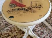 Mesa de centro com tampo pintado a oleo