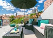Moradia t4 com logradouro e terraço em lisboa